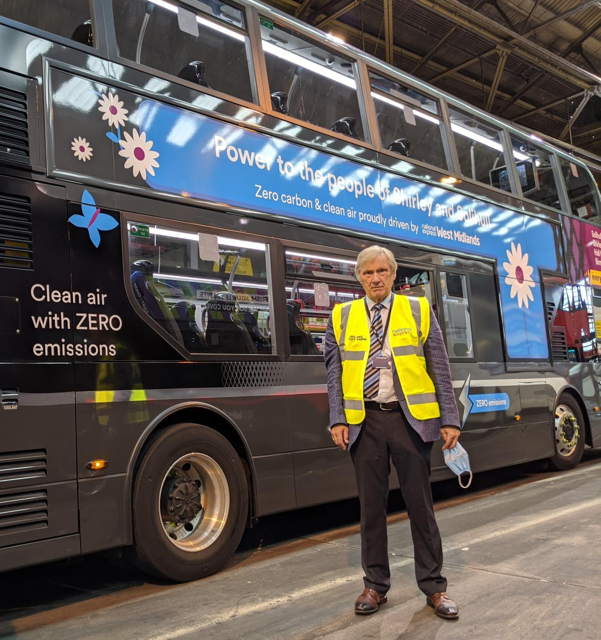 Image for West Midlands Mayor praises bid to make bus fleet all electric